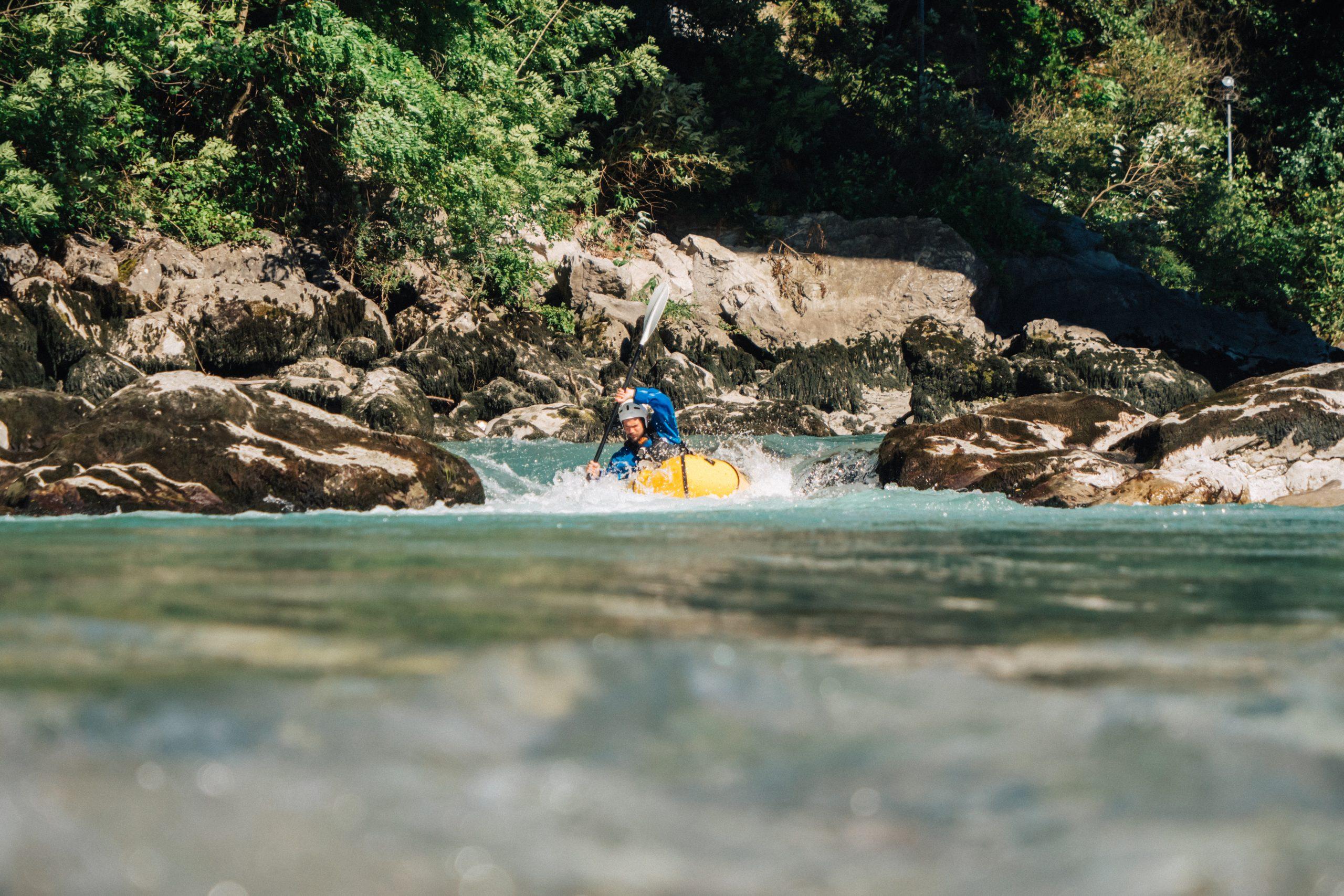 Packraft Mekong dans le rapide
